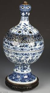Porcelain Vases Uk 4m Ming Vase Turned Into Lamp Sells For 550 000 Daily Mail Online