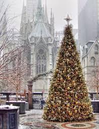 seasonal u2013 christmas u2013 during the holiday season new yorkers take