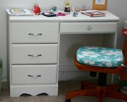 White Girls Desk With Hutch by Classic Style White Desk And Hutch With Glass Doors For Girls