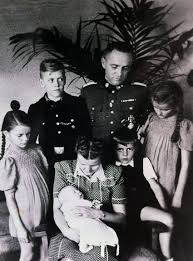 auschwitz boss u0027 daughter lives secret life in u s history ww2