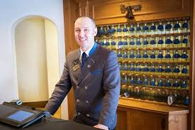 Front Desk Manager Hotel Stories From The Trenches Vail Valley Service Workers Talk Shop
