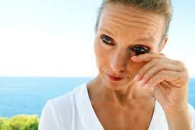 what causes eyes to be sensitive to light burning eyes causes and how to get relief