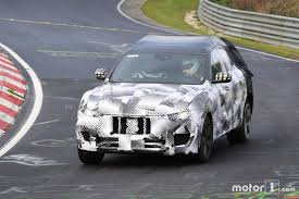 future maserati maserati levante suv caught on shots automotorblog