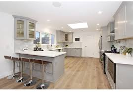 kitchen cabinets with white quartz countertops top 7 amazing kitchen countertop ideas for your grey