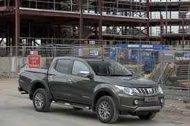 mitsubishi l200 2015 how the all new mitsubishi l200 series 5 defines the next