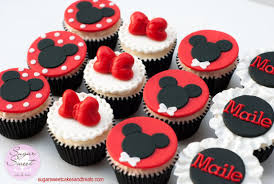 mickey mouse cupcakes minnie n mickey mouse cupcakes cake by angela