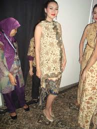 Batik Danar Hadi backstage images world batik summit 2011 saptodjojokartiko