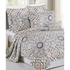 Tradewinds Bedroom Furniture by Bedroom Beautiful Coverlet For Bed Covering Ideas U2014 Saintlukebc Org
