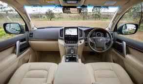 land cruiser 2015 2016 toyota land cruiser u2013 the j200 facelift debuts image 368125