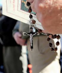 a rosary a picture says a thousand words rosary rally 2016 catholic