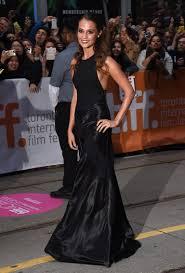 Alicia Vikander Robot Movie by Alicia Vikander And Michael Fassbender Awards Season U0027s Chicest