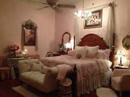 classical pink romantic bedroom design with singgle sofa