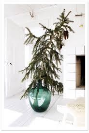Pretty Vase Alternatives To The Traditional Christmas Tree