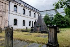 the tomb of the gambler a liverpudlian legend julia thorne