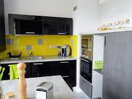 cuisine moderne jaune beau credence de cuisine en verre 9 la cuisine moderne en jaune