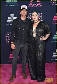 dierks bentley brother elle king joins duet partner dierks bentley at cmt awards 2016