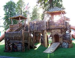 Backyard Forts For Kids The Most Awesome Tree Houses Ever Treehouses Tree Houses And