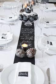 Dekoration Schlafzimmer Brautpaar Festtafel Zu Weihnachten Tischdekoration Mit Tafelfarbe