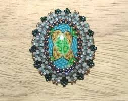 around the beading table how to bezel a rivoli stone with peyote beading stitch pattern