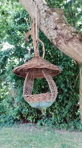 fabrication mangeoire oiseaux vannerie sur céramique par dorothée artisan potier en mayenne