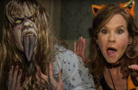 kids at halloween horror nights watch linda blair walk through u0027the exorcist u0027 maze at halloween