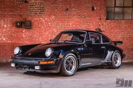 urban outlaw porsche magnus walker sells porsche 930 3 0 for 111 099 total 911