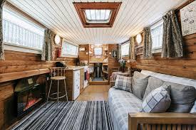 airbnb mata uang rupiah strategi airbnb raih satu miliar tamu per tahun marketeers