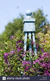 wooden obelisk stock photos u0026 wooden obelisk stock images alamy