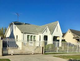 Seeking Pl Seeking A Buyer For 1811 W 35th Pl Los Angeles Ca 90018