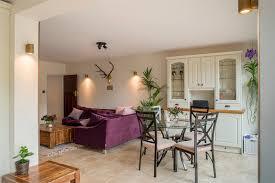 Living Room With Purple Sofa Purple Sofa Decor Ideas To Mix Match Your Living Room