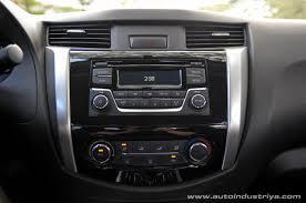 Navara D40 Interior 2015 Nissan Np300 Navara 2 5l 4x2 El Calibre Car Reviews