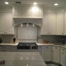Glass Backsplash In Kitchen White Glass Kitchen Backsplash Design Ideas