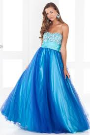 sweetheart ball gown prom dress hair beauty and fashion trends