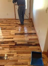 meubles votre maison instructions pour paver le sol de votre maison avec des planches