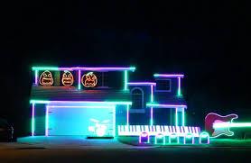 forget christmas lights halloween u0027haunters u0027 make killer displays