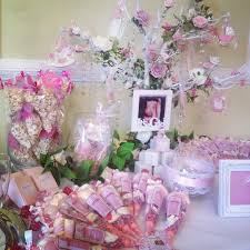 our personalised baby shower favour display features a wishing