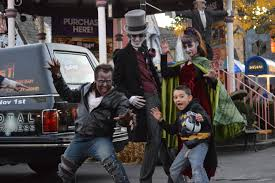 Six Flags Fear Fest Thrills By Day And Frights By Night At Six Flags New England