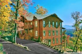 12 Bedroom House by Find A Large Cabin Rental In Gatlinburg U0026 Pigeon Forge Tn