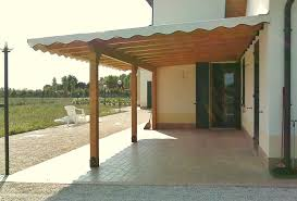 coperture tettoie in pvc tettoia in legno addossata con copertura in arelle e telo pvc