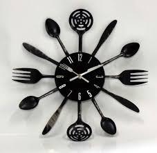 horloge cuisine design interieur deco murale cuisine horloge ustensiles noir mat