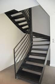 escalier peint en gris les 25 meilleures idées de la catégorie escalier 2 4 tournant sur