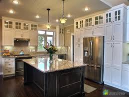 Love How The Cabinets Go All The Way To The Ceiling Empty Space - Kitchen to go cabinets