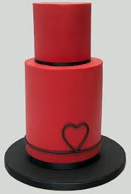 heart themed wedding cakes brides
