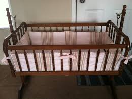 how to custom make a bumper for a crib or bassinet step by step