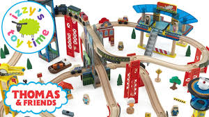 thomas and friends kidkraft super highway set with brio and