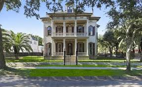 victorian style mansions historic victorian style mansion in new orleans louisiana homes