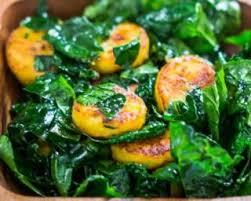 comment cuisiner le chou kale recette de salade régime de chou kalé à la banane plantain rôtie