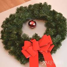 outdoor wreath a and easy craft idea