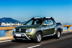 renault pickup truck renault launches duster based pick up in brazil autocar india