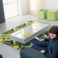 choosing the best mirrored coffee tables to spice up your living